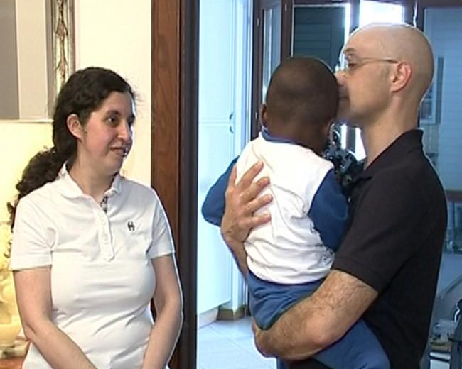 Francois con Michela e Andrea nella sua nuova casa