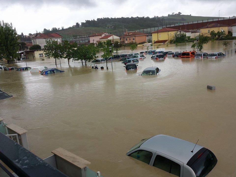 Una immagine choc dell'alluvione a Senigallia