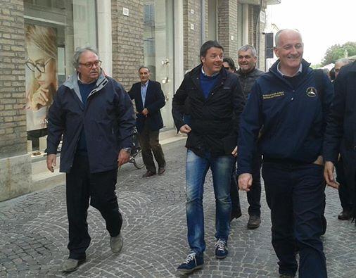 Da sinistra: il presidente della Regione Gian Mario Spacca,  il presidente del Consiglio,Matteo Renzi, e il capo del Dipartimento nazionale di Protezione civile Franco Gabrielli.