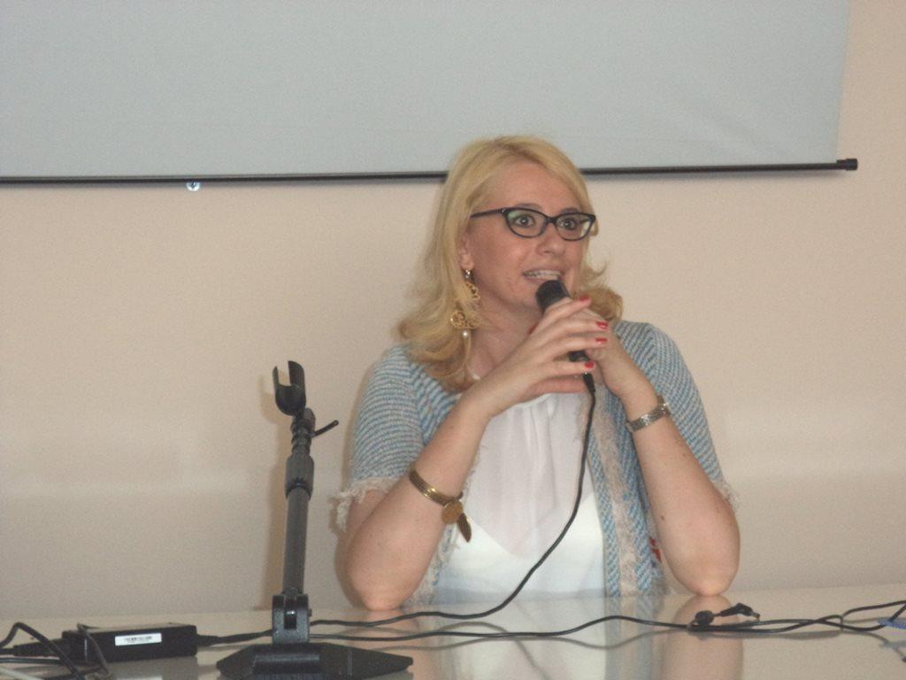 L'Onorevole Irene Manzi