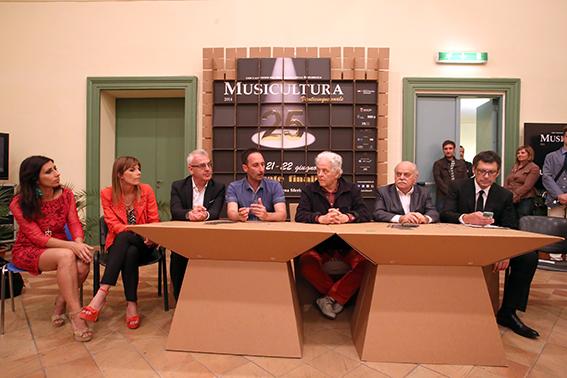 Dante Francani Conf Vincitore Musicultura 2014 (1)