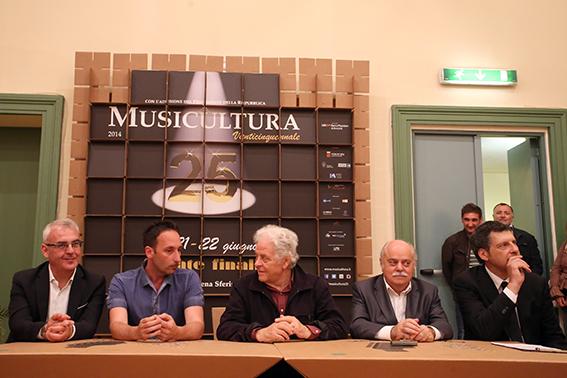 Dante Francani Conf Vincitore Musicultura 2014 (2)
