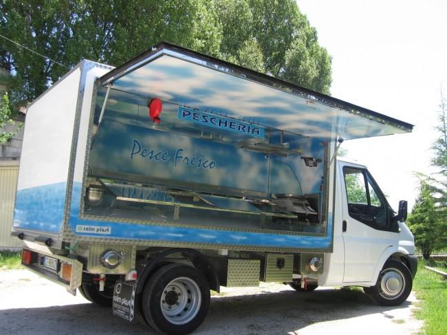 Il furgoncino della Coim Plast guidato da Pietro Sarchiè  (10)