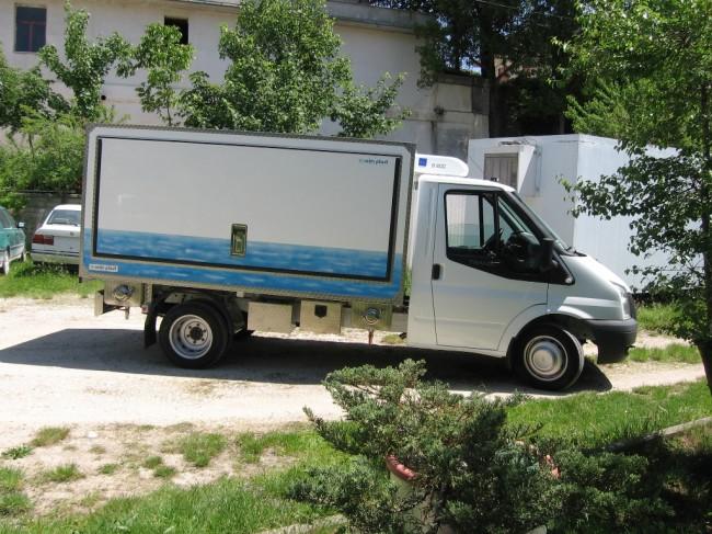 Il furgoncino della Coim Plast guidato da Pietro Sarchiè  (8)