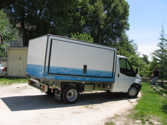 Il furgoncino della Coim Plast guidato da Pietro Sarchiè  (9)
