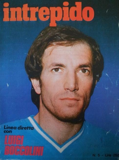 In una copia dell'Intrepido del 1976 ecco Luigi Boccolini, centrocampista dellAdriatica 1964, qui con la maglia del Napoli