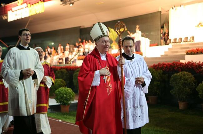 Partenza pellegrinaggio macerata loreto 2014 (8)