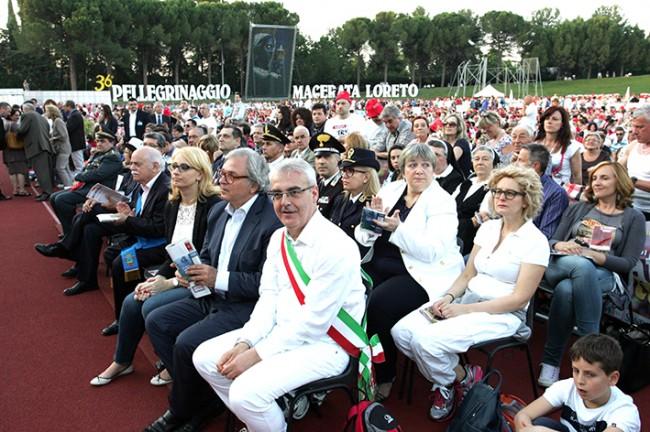 Pellegrinaggio_Macerata_Loreto_2014_Stadio (18)