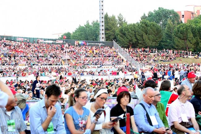 Pellegrinaggio_Macerata_Loreto_2014_Stadio (4)