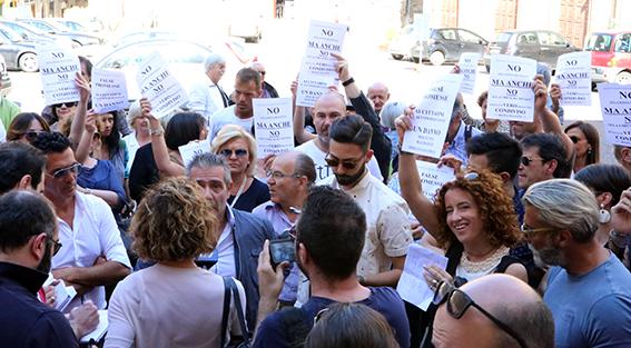 Protesta commercianti Carancini centro storico Macerata (13)