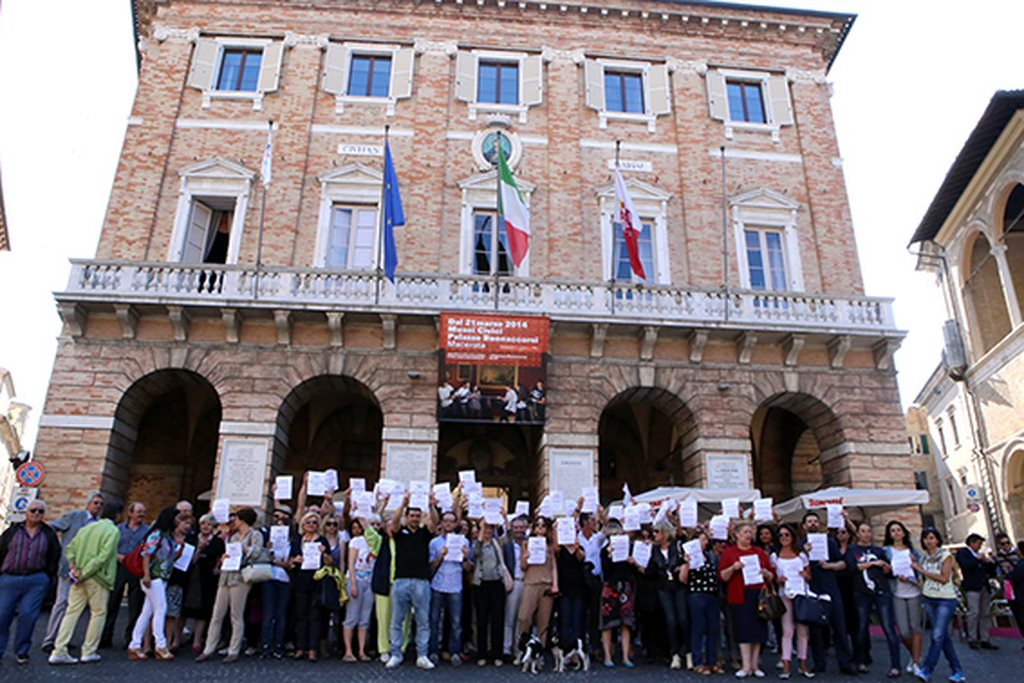 Protesta commercianti Carancini centro storico Macerata (20)