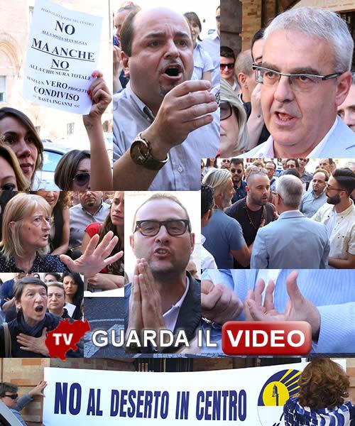 PEDONALIZZAZIONE DI PIAZZA DELLA LIBERTA' - La protesta dei commercianti contro il sindaco Clicca sull'immagine per guardare il video