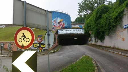 L'ingresso del ParkSì da via Mugnoz