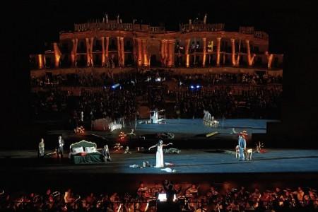 Traviata allo Sferisterio