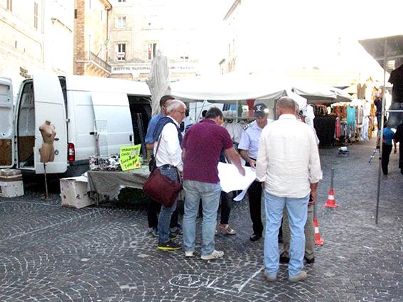 Carancini parcheggi piazza (3)