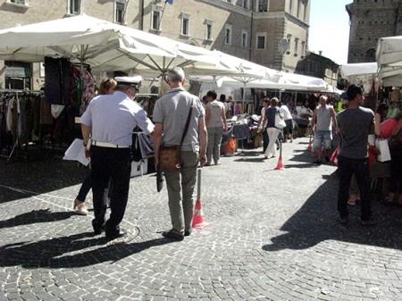 Carancini parcheggi piazza (5)