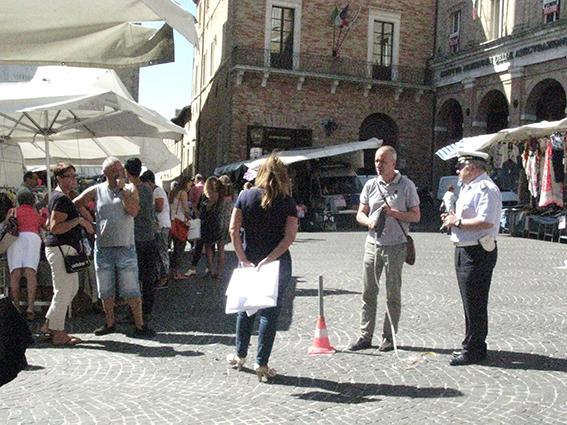 Carancini parcheggi piazza (6)