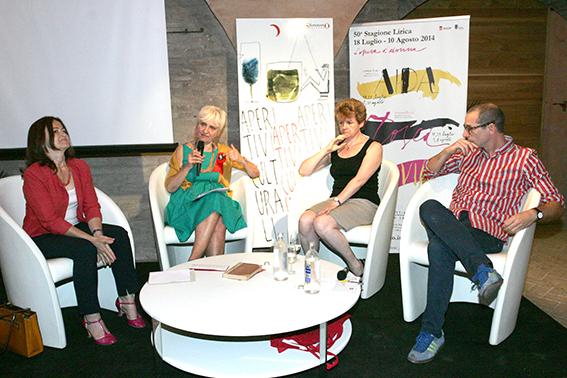 La critica musicale Carla Moreni, Cinzia Maroni, Julia Jones (direttrice d'orchestra dell'Aida) e Francesco Micheli
