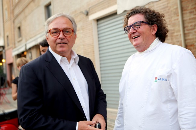 Il presidente della regione Gian Mario Spacca con lo chef Lucio Pompili