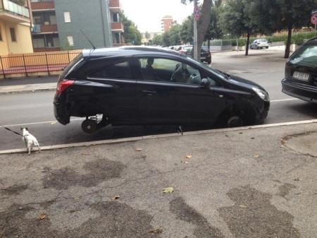 L'auto così come è apparsa alla proprietaria