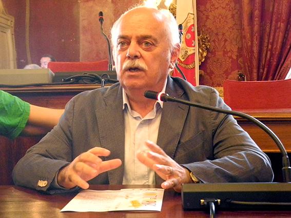 Il presidente della provincia di Macerata Antonio Pettinari