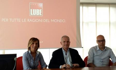 La responsabile marketing Lube Nadia del Pupo, l'amministratore delegato Fabio Giulianelli, e l'addetto stampa Marco Tentella