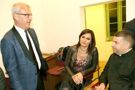 Don Aldo Bonaiuto con il sindaco Carancini e l'assessore Monteverde