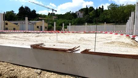 I lavori all'Eurospin di via dei Velini (foto di Guido Picchio)