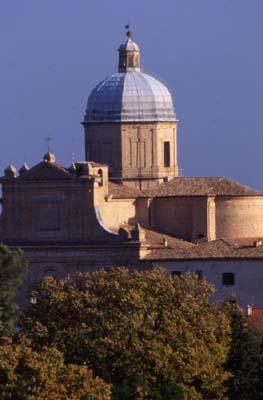 Il cupolone della chiesa del quartiere Vergini