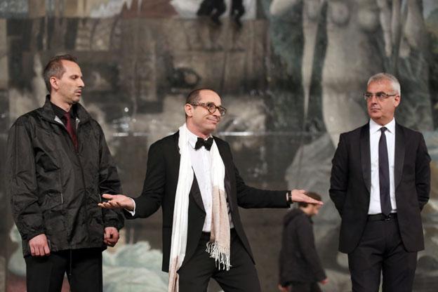 Il direttore artistico dello Sferisterio, Francesco Micheli annuncia che lo spettacolo si farà (Foto Guido Picchio)