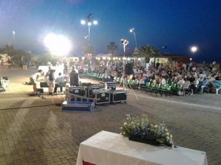 La messa a Largo Porto Giulio dopo la processione