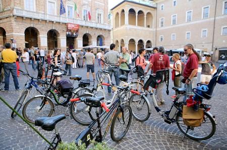 L'iniziativa di Ciclo Stile che porta le biciclette in piazza
