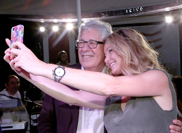 Autoscatto di Peppino Di Capri con l'attrice Angela Melillo