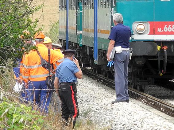 suicidio treno pieve macerata (5)