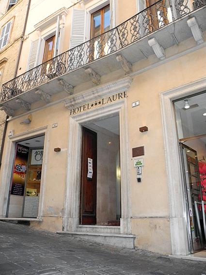 Hotel Lauri -macerata (1)