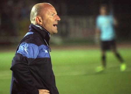 L'allenatore della Recanatese Daniele Amaolo