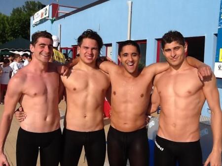 Gli atleti della Civitanova Nuoto