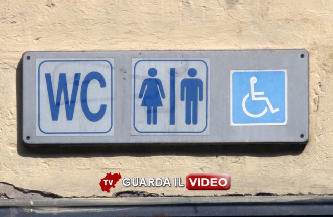 bagni pubblici 00