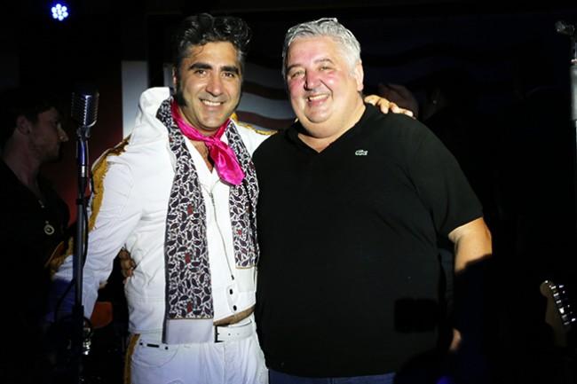 Giorgio Longhi e il cuoco dello Shada che per l'occasione ha intrattenuto gli ospiti cantando