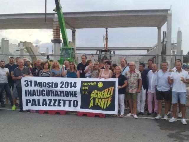 I cittadini che hanno inaugurato il Palas