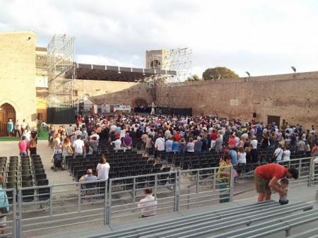 La messa dell'Assunta quest'anno si è svolta eccezionalmente all'Arena Gigli
