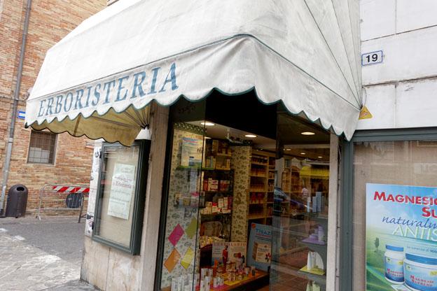 L'erboristeria di Agnese Pagamici in Corso Cairoli