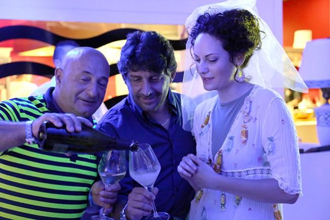 Giada festeggia l'addio al nubilato brindando con i vini dell'azienda Alberto Quacquarini