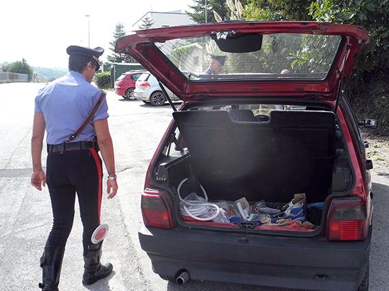 Auto Rubata per rapina Banca (2)