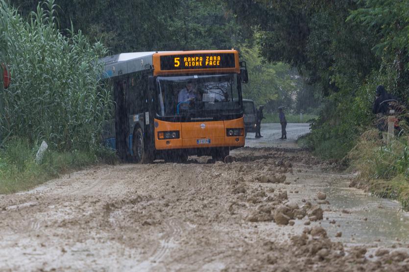Autobus fuori strada (1)