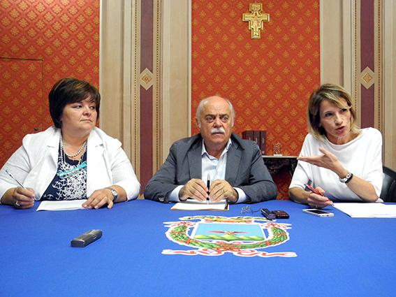 (da sinistra) Nelia Calvigioni, Antonio Pettinari e Paola Giorgi