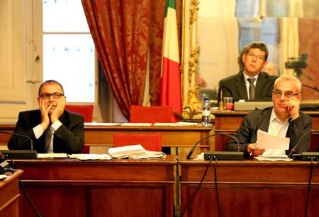 Il sindaco Carancini, l'assessore Blunno e il presidente Mari in Consiglio