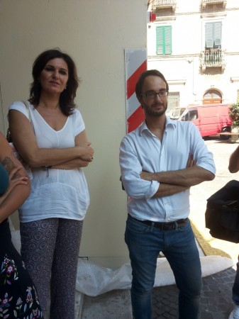 Il titolare di Caffè Venanzetti Marco Guzzini  e l'assessore Stefania Monteverde