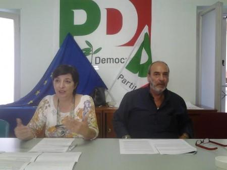 Il segretario del Pd Mirella Franco insieme al consigliere Antonio Colucci