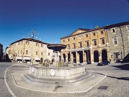 Piazza Enrico Mattei a Matelica